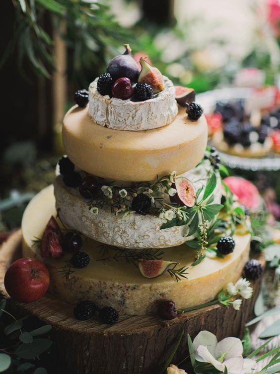torta di formaggi originale con frutti dell'autunno