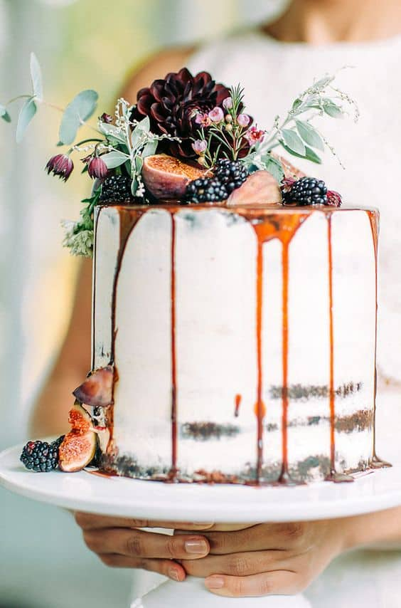 Naked cake con fichi d'autunno