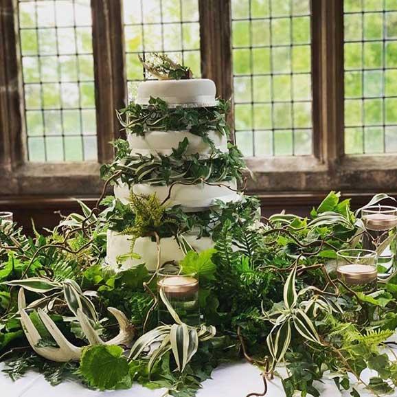 wedding cake con colori naturali
